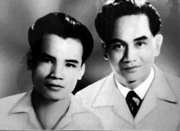"""Xuân Diệu & Tô Hoài: và """"MỐI TÌNH TRAI"""" (2004)"""