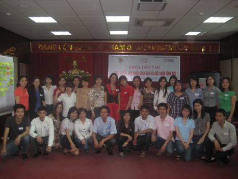 Dự án tăng cường Quyền và SKSS-TD cho thanh niên công nhân