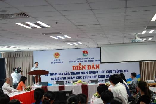 Chăm sóc SKSSTD cho thanh niên công nhân: cần một giải pháp bền vững
