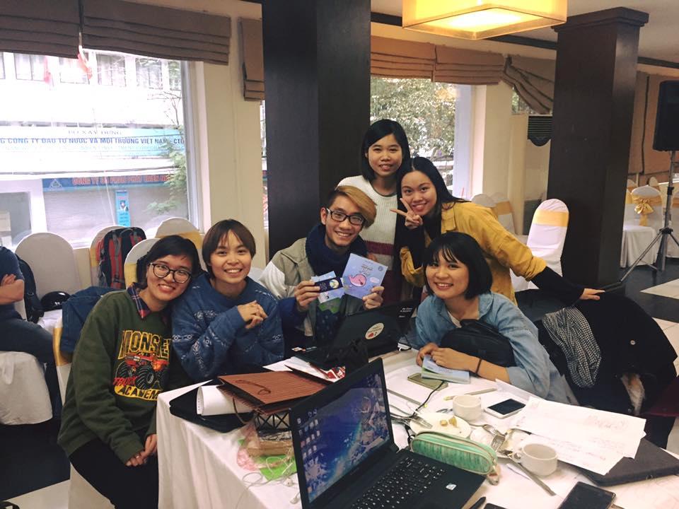 Tình nguyện viên và cán bộ thanh niên tham gia Không phân biệt đối xử và Sáng tạo nghệ thuật thay đổi xã hội